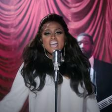 "Jazmine Sullivan Performs To An Audience Of One In ""Pick Up Your Feelings"" Visual"