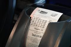 Detroit Lottery Winner Is Robbed Of $20K Chain Bought With Winnings