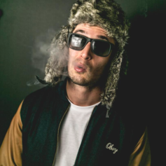Chris Webby - Lettin' It Rain Feat. Stacey Michelle (Prod. By Juice Of All Trades)