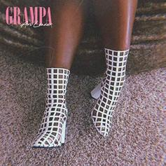 """Ari Lennox Delivers Her New Track """"Grampa"""""""