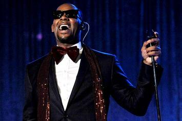 "R. Kelly Talks Recording 362 Songs For ""Black Panties"" & Playing Tracks For Biggie On CRWN"