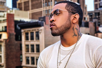 Lloyd Banks Pushes Security Guard Blocking Him From Fans
