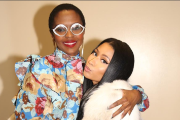 Nicki Minaj Falls To Knees When Meeting Lauryn Hill