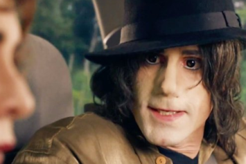 Twitter Is Pissed About White Joseph Fiennes Playing Michael Jackson On British TV