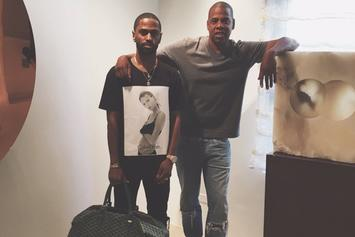 Big Sean Gets A Roc-A-Fella Chain From Jay Z