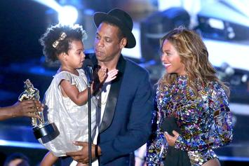 Internet Fawns Over Beyoncé Posing Pregnant With Daughter Blue Ivy