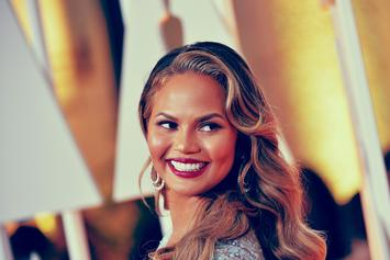 "Chrissy Teigen's ""Flight To Nowhere"" Passengers Receive Paltry Compensation"