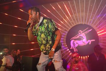 """Travis Scott Ridicules Timberwolves From Courtside: """"You Don't Want No Smoke"""""""