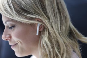 Apple Will Reportedly Release Luxury AirPods & New Over-Ear Headphones In 2019