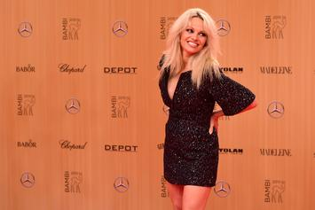 "Pamela Anderson Says Modern-Day Feminism & The MeToo Movement ""Paralyze Men"""