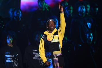 """Travis Scott Earns First #1 On Billboard Hot 100 With """"Sicko Mode"""""""