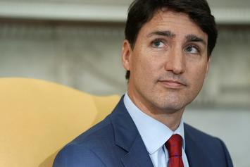 """Canadian Prime Minister Justin Trudeau Apologizes For """"Brownface"""" Photo"""