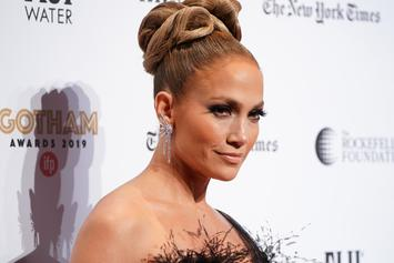 """Jennifer Lopez Never Suspected Her 2000s Grammy Dress To Still Be A """"Thing"""""""