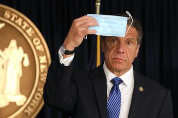 New York Governor Cuomo Announces Mandatory Mask Order