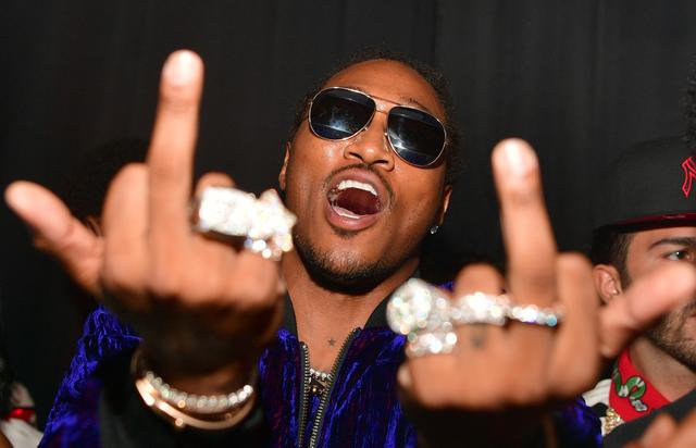 Future shows off his rings