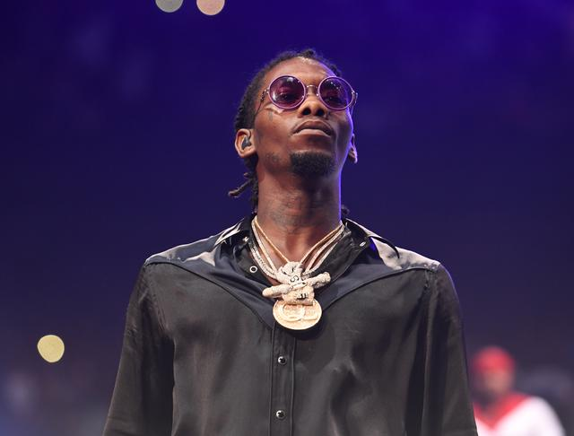 Offset with his chains on