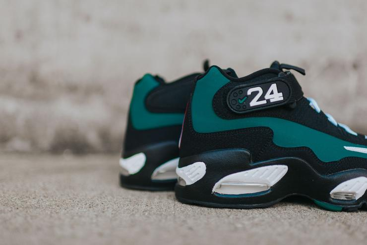 "The 2016 Air Griffey Max 1 ""Emerald."""